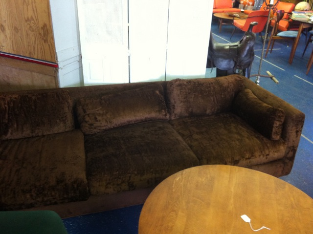 Superbe Loved This Burly Man Bear Sofa. The Lines Were Good. The Brown Fuzzy  Upholstery Was In Good Condition BUT Iu0027m Over A Brown Sofa. Dark Sofas Feel  So Heavy In ...